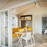 Location de mobilhome loggia bay au camping en Loire Atlantique : salon