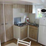 Location de mobilhome océan 2 chambres Loire Atlantique : cuisine